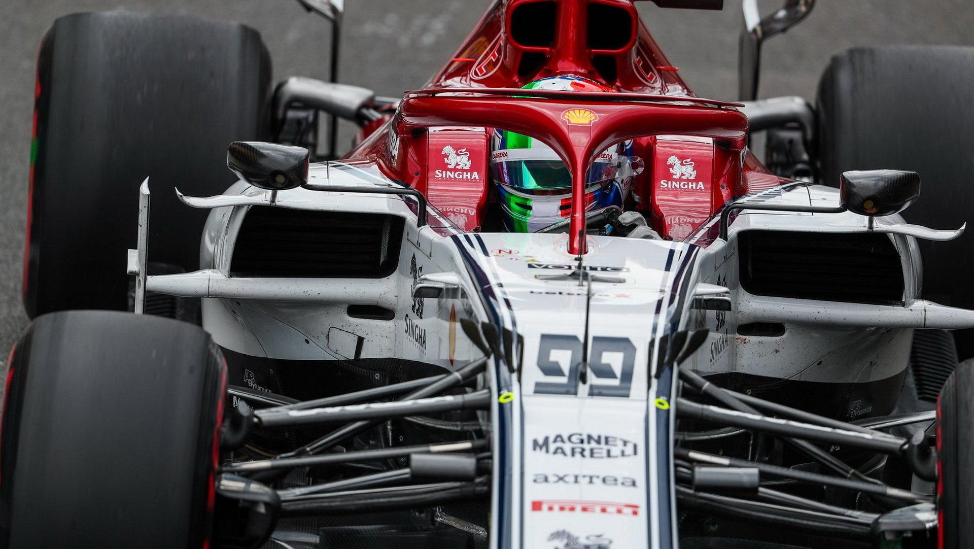 Antonio Giovinazzi v tréninku v Silverstone