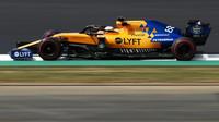 Carlos Sainz s McLarenem MCL34 v Silverstone
