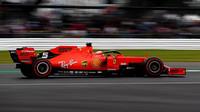 Sebastian Vettel v kvalifikaci v Silverstone