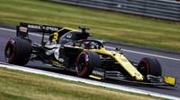 Daniel Ricciardo v kvalifikaci v Silverstone