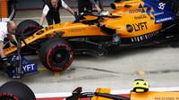 Carlos Sainz v kvalifikaci v Silverstone