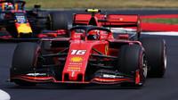 Charles Leclerc v Silverstone vystrčil lokty