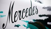 Mercedes oslaví velké výročí motorsportu, láká na zvláštní zbarvení - anotační foto