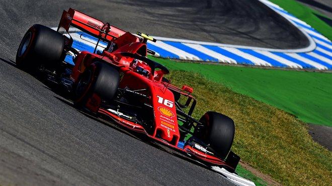 Nové jméno mezi vítězi Grand Prix: Charles Leclerc