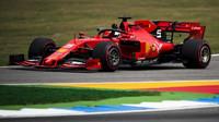 Sebastian Vettel v kvalifikaci v Německu