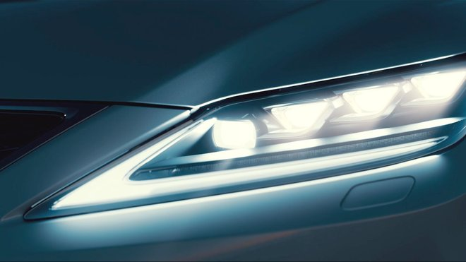 Lexus zlepšuje viditelnost v noci a zvyšuje bezpečnost na silnicích