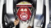 Lewis Hamilton v kvalifikaci v Německu