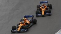 Lando Norris a Carlos Sainz v závodě v Německu
