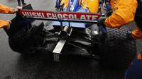 Zadní část vozu McLaren před závodem v Německu