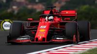 Sebastian Vettel v tréninku v Maďarsku