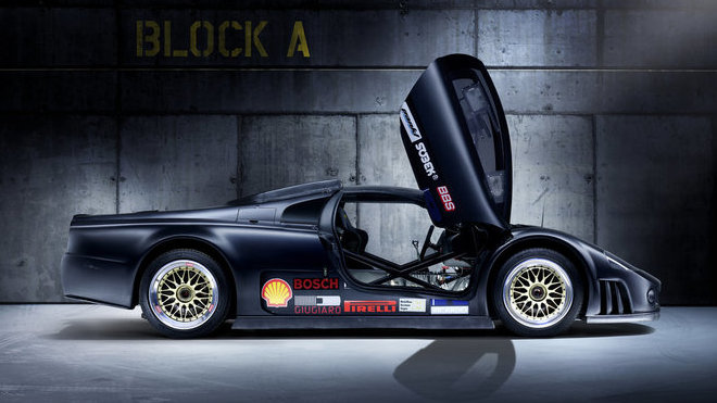 Volkswagen W12 s výkonem 440 kW (600 k) stanovil v roce 2001 na okruhu v Nardò deset rekordů