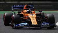 Carlos Sainz s McLarenem MCL34 na Hungaroringu