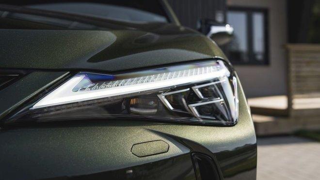 Každý Lexus je pokryt čtyřmi vrstvami