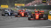 """""""Na mexických rovinkách budeme proti Ferrari bez šance,"""" tuší před víkendem Hamilton - anotační foto"""