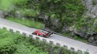 """Za 7:38,585 minuty kčínské """"Bráně do nebes"""": Volkswagen ID.R stanovil první rekord na hoře Tianmen"""