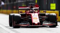Sebastian Vettel se po slibném začátku musel spokojit s druhým místem