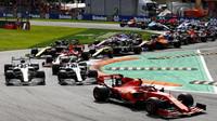 """""""F1 musí pro své přežití učinit velké změny,"""" varuje šéf McLarenu. Z velkých týmů souhlasí jediný - anotační foto"""