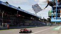 Charles Leclerc v cíli závodu v Itálii na Monze