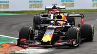 Max Verstappen v závodě v Itálii na Monze