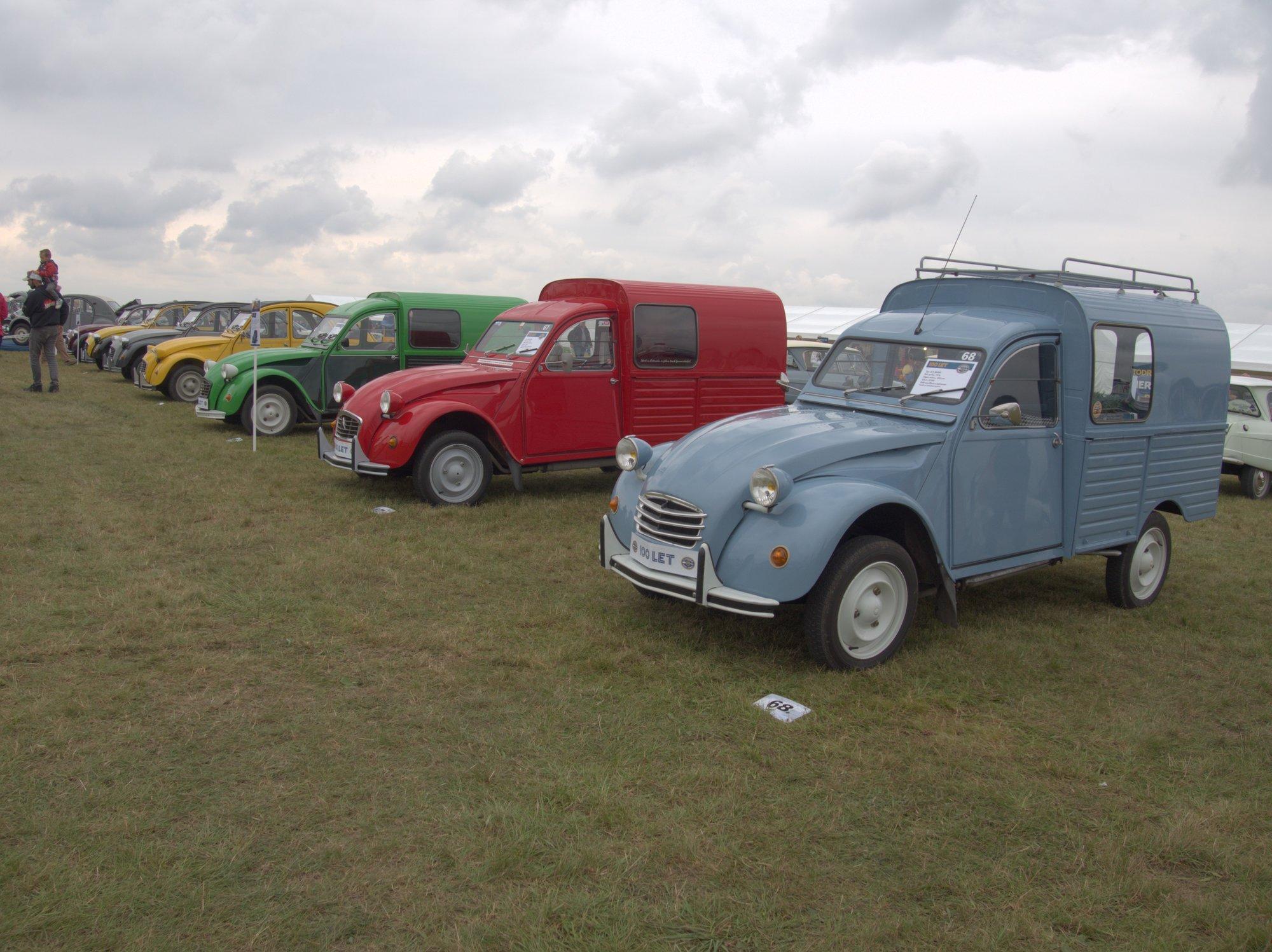 Dodávkové vozy odvozené od legendární Kachny (2CV)