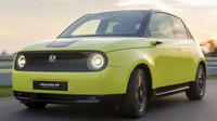 Honda e, digitální retro - anotační foto