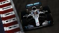 Lewis Hamilton v kvalifikaci v Singapuru
