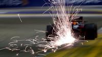 Max Verstappen jiskřil v kvalifikaci v Singapuru