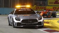 Safety Car v závodě v Singapuru