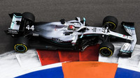 Lewis Hamilton v tréninku v Soči