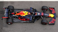 Alexander Albon s Red Bullem RB15
