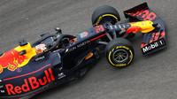 Verstappen při kolizi s Leclercem přišel o 25 % přítlaku. Proč ho Red Bull nenechal závod dokončit? + VIDEO - anotační foto