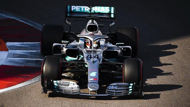 Černá série Mercedesu bez vítězství se nenaplnila - Hamilton triumfoval