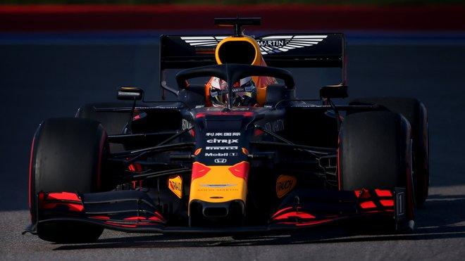 Red Bull hledá pro Verstappena silného týmového kolegu