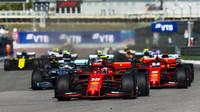 Start Velké ceny Ruska - Vettel těží z aerodynamického stínu za Leclercem a jde dopředu