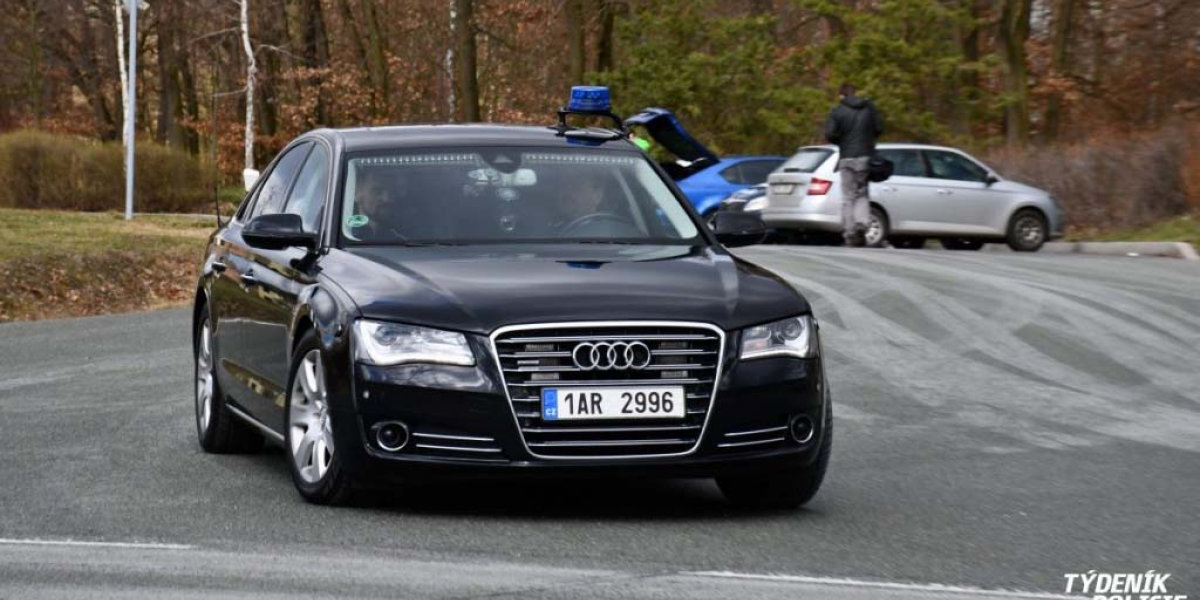 Policie ČR Audi A8 4,2