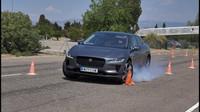 Elektrický Jaguar I-Pace nepřesvědčil v losím testu, ESP reaguje nesmyslně - anotační obrázek