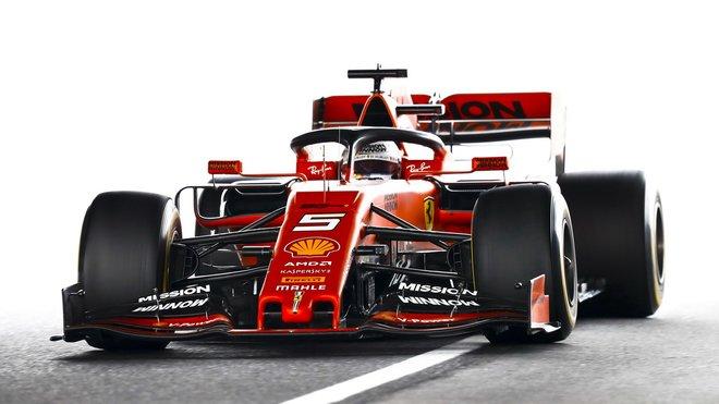 Sebastian Vettel s Ferrari SF90 v Japonsku