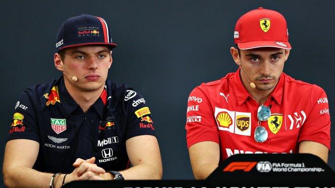 Max Verstappen si prvního místa z kvalifikace dlouho neužil, vystřídá ho Charles Leclerc