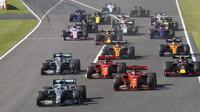 Upravený kalendář bude čítat 15 - 18 závodů, ujišťuje šéf F1. Jak chce letos experimentovat? - anotační obrázek