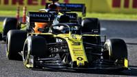 Renault svůj letošní cíl nesplní, za souboj s McLarenem se ale nestydí - anotační obrázek