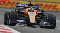 Carlos Sainz jako jediný zvládl jednozastávkovou strategii