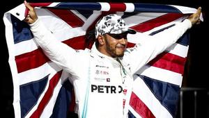 Lewis Hamilton slaví mistrovský titul po závodě v americkém Austinu