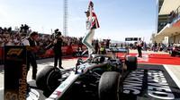 """Významné osobnosti chválí Hamiltona. """"Ferrari by s ním vyhrálo,"""" má jasno Montezemolo - anotační obrázek"""