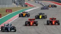 Lewis Hamilton, Charles Leclerc a Sebastian Vettel v závodě v americkém Austinu