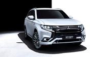 Mitsubishi nabízí Outlander PHEV s výkonem až 224 koní a spotřebou 1,8 l/100km za 959 900 Kč