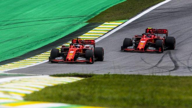 Sebastian Vettel a Charles Leclerc v Brazílii
