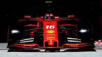 """""""Ferrari dokázalo, že jeho letošní motor byl zcela legální,"""" prohlašuje Binotto - anotační foto"""