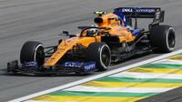 Lanco Norris v závodě v Brazílii