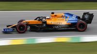 Carlos Sainz s McLarenem MCL34 ve Velké ceně Brazílie 2019