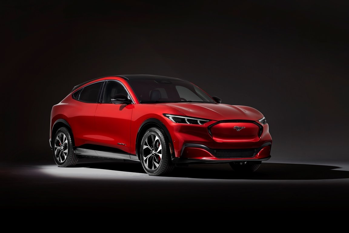 RADIKÁLNÍ ZMĚNA. Ford ukázal nový Mustang Mach-E. Základní cena je překvapivě nízká - anotační obrázek